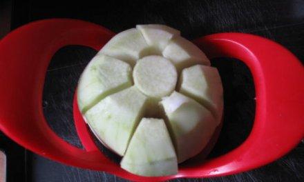 Coupe-pomme en quartiers