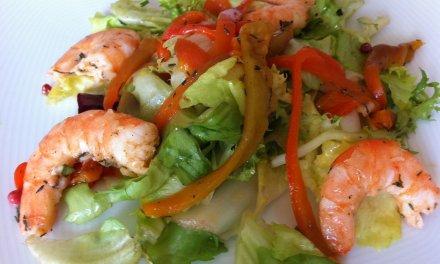 Salade composée crevettes.