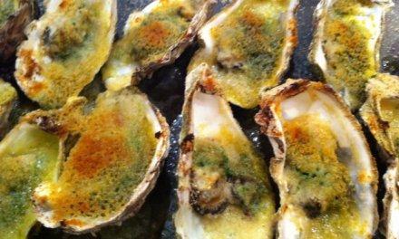 huîtres chaudes ail/persil/chapelure.