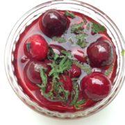 soupe de fruits rouges cerises et menthe