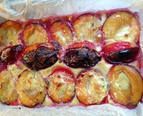 dessert rapide et simple avec des prunes cuites.