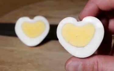 oeuf en forme de coeur