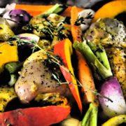 cuisses de poulet et légumes