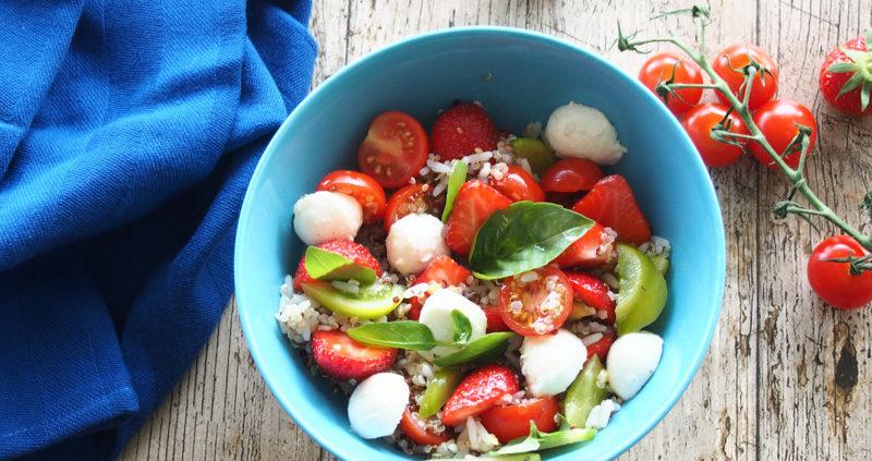 alade de fraises et tomates