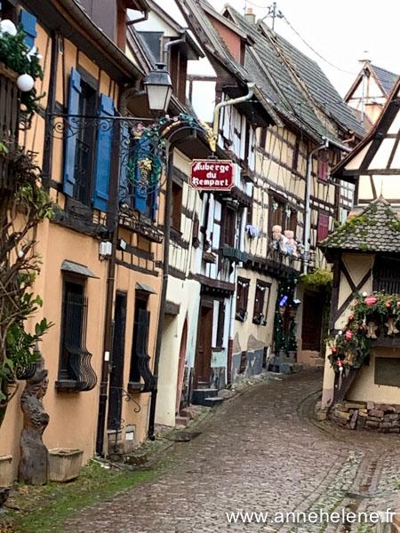 Eguisheim centre ville route vins